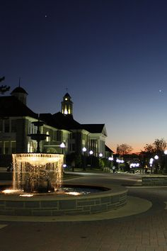 JMU I hope I get my scholarship. this is honestly my dream school. Keeping my fingers crossed! Life Is Beautiful, Beautiful Places, Great Places, Places To Go, James Madison University, College Sorority, Dream School, Need A Vacation, Heaven On Earth