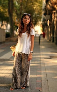 Comfortable street fashion for Mom.