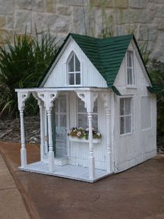 Cinderella Moments: Shabby Chic Dollhouse:Better Pictures