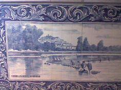 Obs:Tive alguma dificuldade e tirar as fotos aos paineis de azulejo.  As lavadeiras do Mondego, painel situado no ISCAL em Lisboa  Fonte viva: A VIDA EM AZULEJO