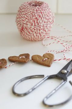 gingerbread/twine garland - small stars and holly leaf shapes would look equally nice if you're not a HEARTS EVERYWHERE person (cough)