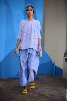 immagine principale : clicca per zoom Urban Chic Fashion, 70s Fashion, Timeless Fashion, Funky Outfits, Boho Outfits, Fashion Outfits, Cocoon Dress, Italian Fashion Designers, Japan Fashion