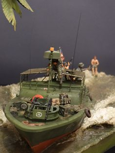 Dioramas and Vignettes: Catch the wave! Scale Model Ships, Scale Models, Plastic Model Kits, Plastic Models, Fallout 4 Settlement Ideas, Brown Water Navy, Good Morning Vietnam, 30 Day Drawing Challenge, Military Action Figures