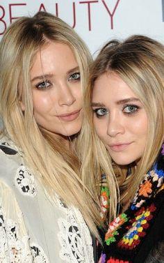 Olsen twins with pastel hair Ashley Olsen, Kate Olsen, Gold Hair, Silver Hair, Pink Hair, Silver Blonde, White Blonde, Rose Hair Color, Hair Colors