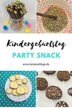 Heute habe ich zwei ganz leckere, genial einfache DIY Kindersnacks für eure Kindergeburtstags Party für euch: Apfel-Schokolutscher & Schokoladensticks. Die Leckereien sind schön bunt und schnell vorzubereiten – so lässt sich ein gesunder Apfel geschickt verpacken und verschwindet selbst bei Obstverweigerern schnell im Mund :-). Die Snacks lassen sich je nach Verzierung für jede Art von Anlass einsetzen: zum Geburtstag, zu Silvester oder als kleines Geschenk. Die Anleitung findet ihr hier.