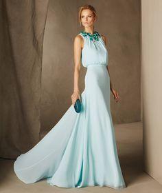 CATANIA - Pronovias long dress with a floral collar