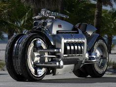 La moto la plus chère du monde est une Tomahawk Dodge et vaut 550.000 dollars.