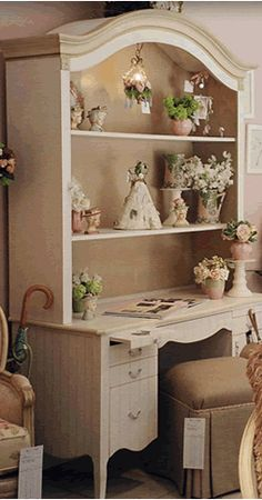 Painted Traditional Furniture in Cream
