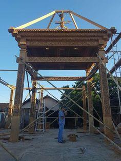 JUAL RUMAH JOGLO SOKO/TIANG SOKO 30 BAHAN JATI TPK – JATI MULYA INDAH Bali House, Wooden Architecture, Javanese, House In The Woods, Teak Wood, Furniture Making, Wood Art, Home Projects, Interior Inspiration