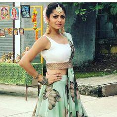 Silsila Badalte Rishton Ka: Drashti Dhami aka Nandini Outfits Are Major Fashion Goals! Party Wear Indian Dresses, Indian Gowns Dresses, Celebrity Dresses, Celebrity Style, Kids Indian Wear, Lehnga Dress, Lehenga, Saree Draping Styles, Drashti Dhami