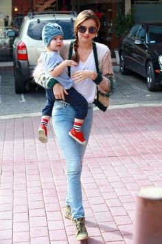 Miranda Kerr Photos - Victoria s Secret model Miranda Kerr takes her baby  boy Flynn to a 7ff6e662731