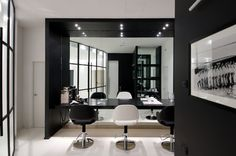 A Clean Classy And Elegant Hair Salon Interior Design With Shades Of Black White Verry Luxurious Atmosphere The M