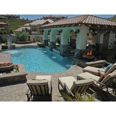 Love the combo pool with fire pit.