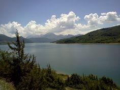 Diga del Lago di Campotosto nel Campotosto, Abruzzo