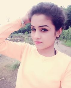 Image may contain: 1 person, selfie, closeup and outdoor Simple Girl Image, Cute Girl Pic, Beautiful Girl Photo, Beautiful Girl Image, Beautiful Babies, Beautiful Women, Desi Girl Image, Girls Image, Stylish Girl Images