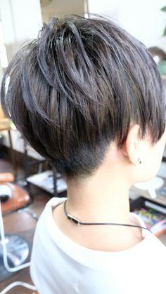 Pixie Haircut With Long Bangs Short Wedge Haircut, Short Messy Haircuts, Messy Pixie Haircut, Short Haircut Styles, Short Bob Hairstyles, Cool Hairstyles, Short Hair Back View, Very Short Hair, Short Hair Cuts