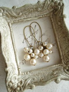 Shabby Vintage by PreciousPastimes on Etsy Shabby Vintage, Vintage Bohemian, Vintage Looks, Bubble Pearl, Cluster Earrings, Pearl Earrings, Beautiful Day, Vintage Jewelry, Metal Jewelry