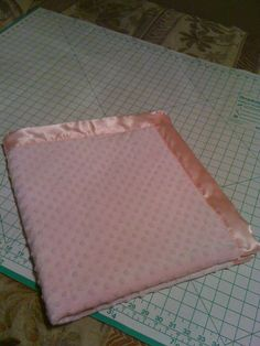 minky baby blanket ~ pattern & tutorial ~ Bella Bama: DIY Minky Baby Blanket with Satin or Ruffle Trim