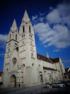 Cathedral Church, Romanesque, Cathedrals, How To Be Outgoing, Austria, Notre Dame, Gothic, Country, Architecture