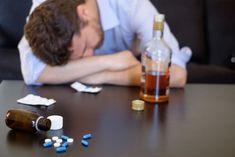 🩺 La primera línea de tratamiento con fármacos para pacientes con Disfunción Eréctil (DE) son los medicamentos de la familia de los inhibidores de la fosfodiesterasa tipo 5 (FDE-5). #viagra #alcohol #disfunctionerectil Addiction Therapy, Compulsive Behavior, Workplace Wellness, Alcohol Is A Drug, Drugs, Spirituality, Yoga Inspiration, Consciousness, Awakening