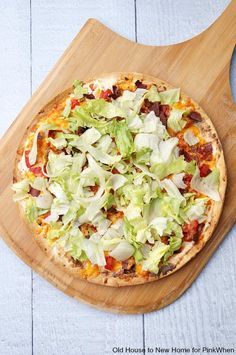 A BLT Pizza made with cream cheese, light ranch, and turkey bacon. YUM!