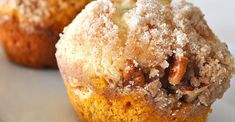 Serve warm, cut sugar in muffin mix in half. OK way to use up lots of canned pumpkin. pumpkin muffins with a cream cheese filling and a streusel topping. Pumpkin Cream Cheese Muffins, Pumpkin Cream Cheeses, Cheese Pumpkin, Fall Desserts, Dessert Recipes, Brunch Recipes, Breakfast Recipes, Streusel Topping, Cream Cheese Filling