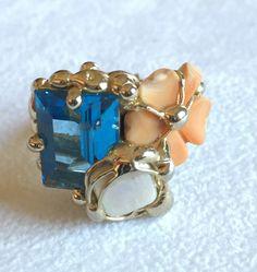 Anello saldato a mano realizzato con Strass Swarovski, perla bianca, conchiglia. Metallo nichel free. Misura regolabile