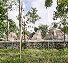 Dancing Mountain House Salatiga //  Budi Pradono Architects