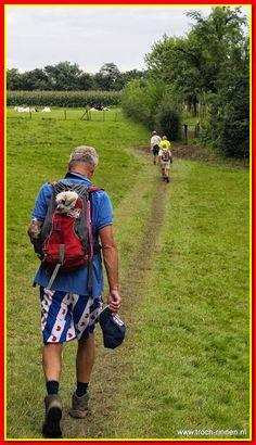 Berg en Terblijt 10.8.2014: 4e dag Heuvelland 4-daagse - 106611875037268196261 - Picasa Webalbums