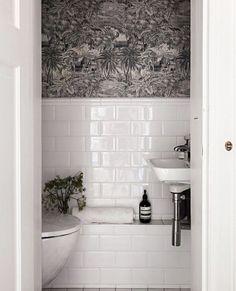 Home Interior Styles Boho Bathroom, Bathroom Inspo, Bathroom Wall Decor, Bathroom Shower Curtains, Bathroom Interior Design, Home Interior, Bathroom Inspiration, Interior Styling, Interior Inspiration