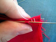 Sewing Techniques Couture Invisible Closing Seam Tutorial - I've always called this the ladder stitch. It is amazing and totally invisible but not for seams that will be stressed. Quilting Tips, Quilting Tutorials, Sewing Tutorials, Diy Couture, Couture Sewing, Techniques Couture, Sewing Techniques, Sewing Stitches, Sewing Patterns