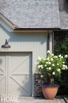 Garage, Paint Colors, Flowers, New England New England Style, New England Homes, New Homes, Exterior Colors, Exterior Paint, Exterior Design, Exterior Barn Doors, Colonial Exterior, Grey Exterior