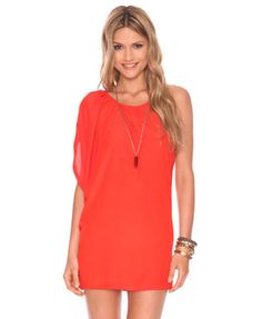 I absolutely love this dress! it's light and screams summer. #fashion #dress #cute