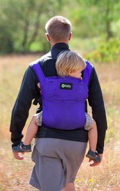 Voici quelques idées d écharpes de portage ou de porte-bébés physiologiques  vraiment bien pensés et parfaits pour bien porter son bébé. d995fdfc927