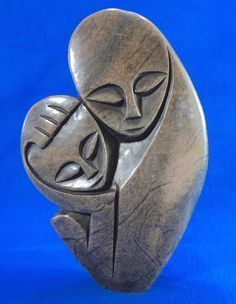 Mother and child. Abstract Sculpture, Sculpture Art, Family Sculpture, Ceramic Workshop, Pottery Handbuilding, Sculptures Céramiques, Sculpture Projects, Art Carved, Pottery Sculpture