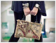 Complete visual tutorial on how to make this cool coffee sack purse! (old book and burlap fabric)