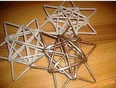 hvězda z papírových ruliček
