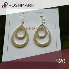 Stella and Dot - Lakin silver drop earrings Silver drop earrings Stella & Dot Jewelry Earrings