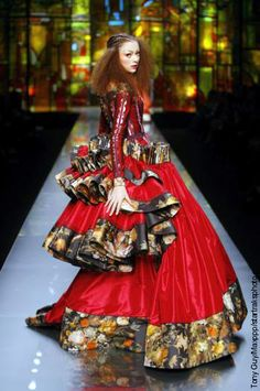 7. Christian Dior (Spring 2009): Inspired by the full bustles draped at the back of the skirts c. 1870-1878;