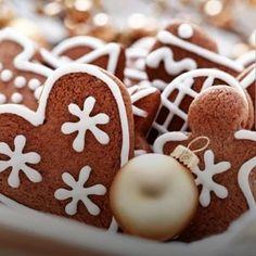 "17 Me gusta, 0 comentarios - @galletitasargentinas en Instagram: ""Galletas de chocolate, ideales para obsequiar en Navidad⠀ .⠀ Ingredientes⠀ 250g de harina 0000⠀ 25g…"" Gingerbread Cookies, Desserts, Blog, Instagram, Chocolate Cookies, Xmas, German Cookies, Noel, German Men"