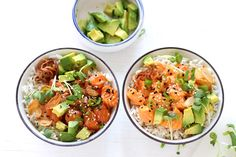 My favorite poke bowl: Salmon poke with a choice of 2 marinades: spicy mayo and shoyu. Do you want to know how to make a poke bowl at home? Salmon Poke Bowl Recipe, Asian Recipes, Ethnic Recipes, Asian Foods, Ahi Poke, Hawaiian Dishes, Sushi, Eating Raw, Asian Cooking