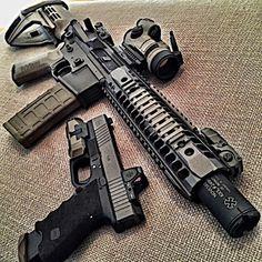 knives, guns, and tactical gear Custom Ar, Ar Rifle, Ar 15 Builds, Weapon Storage, Ar Pistol, Edc Tactical, Home Defense, Cool Guns, Assault Rifle