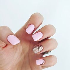 Want a fun summer manicure but think pink nail designs aren't your thing? Miss Nail Addict, listen up. Pink isn't what you remember from your very first manicure. Matte Pink Nails, Rose Gold Nails, Blue Nails, White Nails, Gel Nails, Nail Polishes, Baby Pink Nails, Pink Glitter Nails, Light Pink Nails