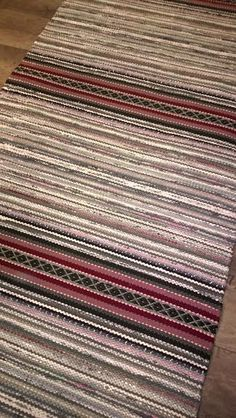 Räsymatot - Mattopuoti Braided Wool Rug, Woven Rug, Loom Weaving, Hand Weaving, Weaving Patterns, Recycled Fabric, Rug Making, Soft Furnishings, Handmade Rugs