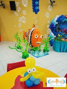 cenariobaloes Balloon Arrangements, Balloon Centerpieces, Balloon Decorations, Birthday Party Decorations, Under The Sea Theme, Under The Sea Party, Art Party, Luau Party, Balloon Modelling