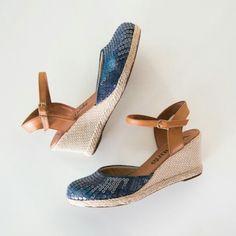 A escolhida de hoje   #ValentinaFlats #shoes #fashion #loveit #loveshoes #shoeslover #anabela #jeans