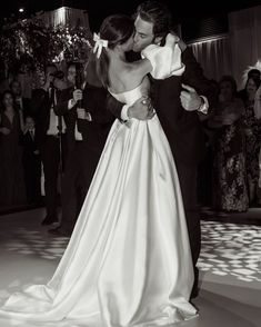 Wedding Goals, Our Wedding, Here Comes The Bride, Dream Wedding Dresses, Wedding Pictures, Cute Couples, Perfect Wedding, Getting Married, Marriage