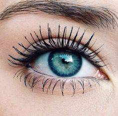 Why can't my mascara look this perfect??