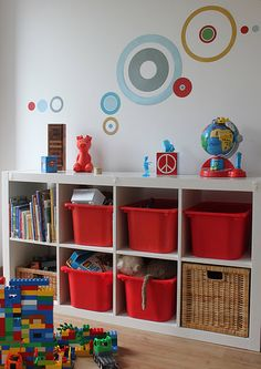 Ikea Expedit bookself showing trofast stoarge bins, I think --space to view contents Kallax, Ikea Trofast, Expedit Bookcase, Bookshelves, Toddler Rooms, Kids Rooms, Greatest Hits, Playroom Organization, Organizing Toys