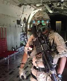 Military Police, Military Weapons, Military Art, Usmc, Special Forces Gear, Military Special Forces, Navy Seals, Kindergarten Usa, Airsoft